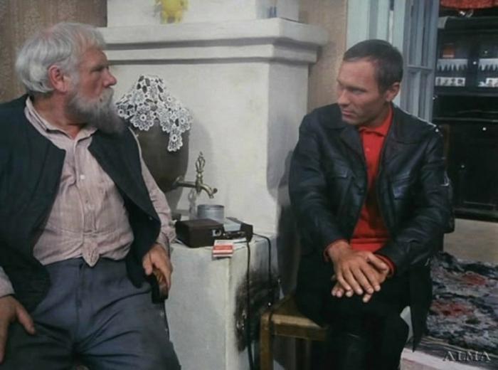 Иван Рыжов и Василий Шукшин, кадр из фильма «Калина Красная», 1973. / Фото: www.polzam.ru