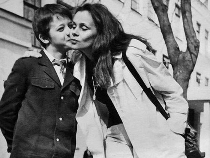 Любовь Полищук с сыном. / Фото: www.dayonline.ru