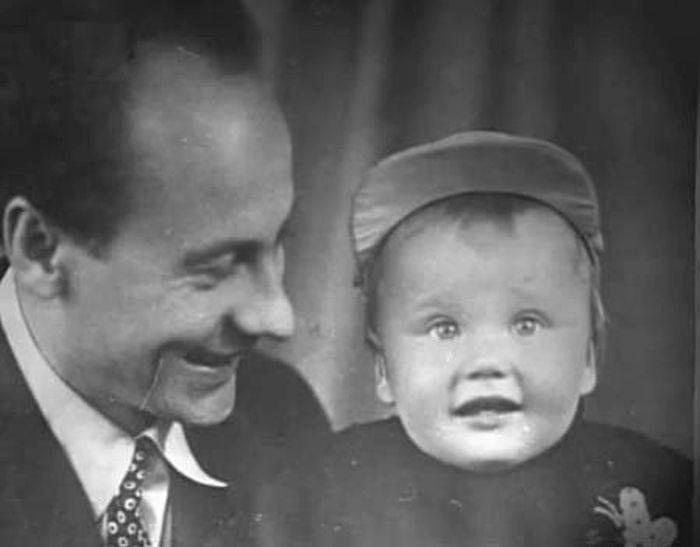 Евгений Ташков с сыном Андреем. / Фото: www.kino-teatr.net