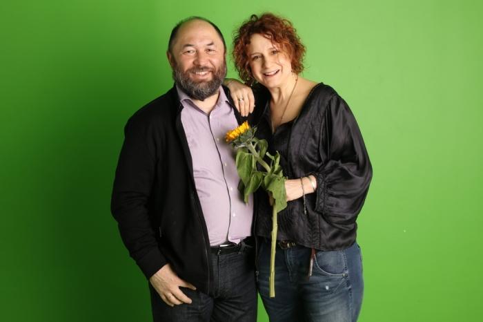 Тимур Бекмамбетов с супругой. / Фото: www.philanthropy.ru
