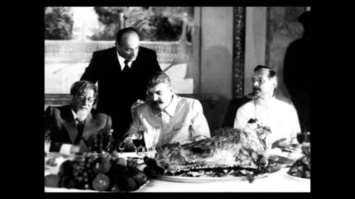 Кадр из фильма «Пиры Валтасара, или Ночь со Сталиным». / Фото: www.kino-teatr.ru