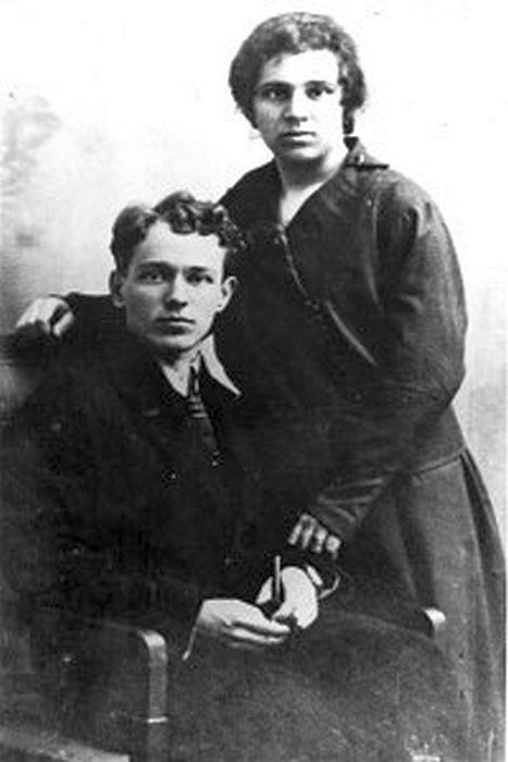 Шолоховы. 1920-е гг. / Фото: www.1abzac.ru