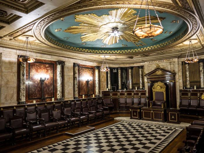 Масонская ложа в отеле «Andaz» в Лондоне. / Фото: www.timeout.com