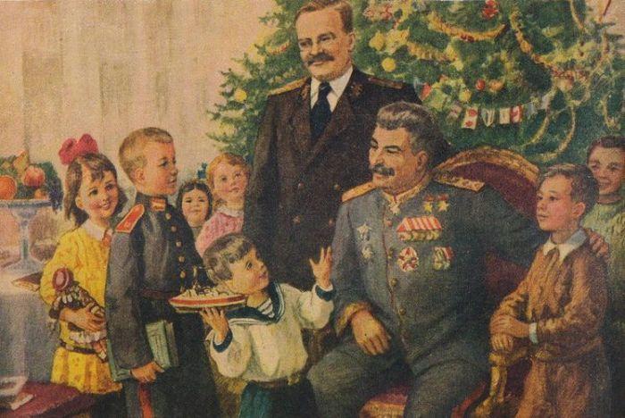 Сталина тоже иногда изображали на новогоднем празднике с детьми. / Фото: www.artru.info