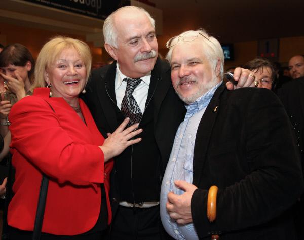 Татьяна Егорова, Никита Михалков и Сергей Шелехов. / Фото: www.visualrian.ru