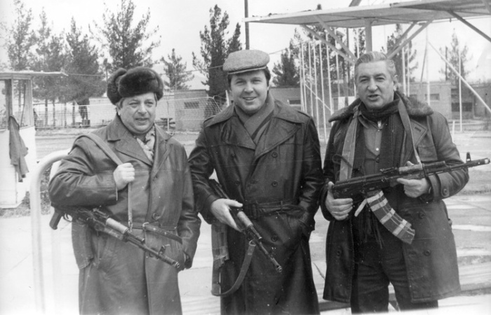 Вадим Тонков, Лев Лещенко и Борис Владимиров в Афганистане, середина 80-х. / Фото: www.bulvar.com.ua