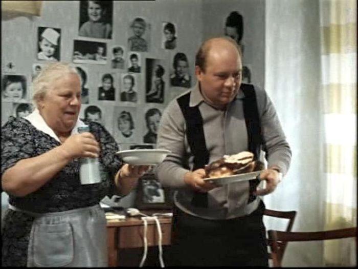 Екатерина Мазурова и Евгений Леонов, кадр из фильма «Джентльмены удачи», 1971 год. / Фото: www.kino-teatr.ru
