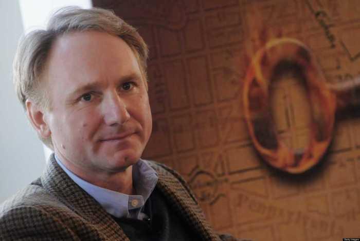 Дэн Браун. / Фото: www.eligeeducar.cl