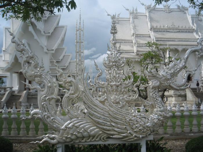 Wat Rong Khun. / Фото: www.life.yinteing.com
