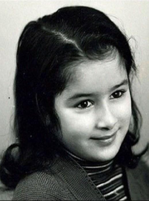 Тина Канделаки в детстве. / Фото: www.massaget.kz