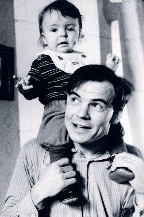 Михаил Глузский с сыном.  / Фото: www.7days.ru