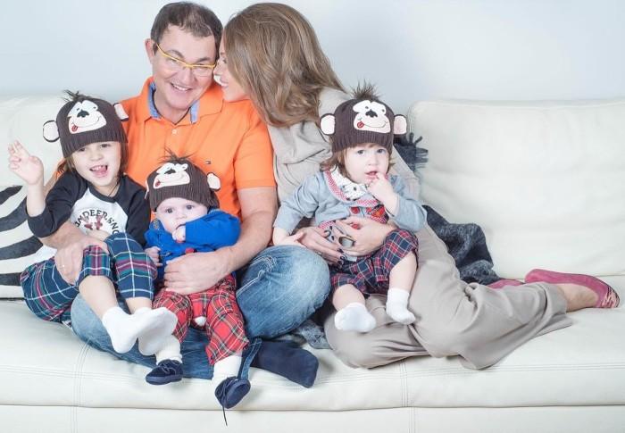 Дмитрий Дибров с женой и сыновьями. / Фото: www.woman.ru