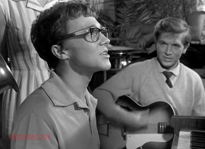 Александр Леньков, кадр из фильма «Дайте жалобную книгу», 1965. / Фото: www.ruskino.ru