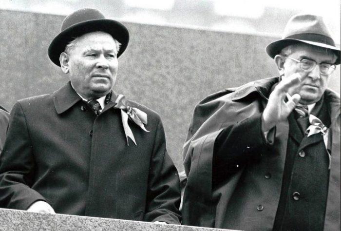 Константин Черненко и Юрий Андропов. / Фото: www.kremlion.ru