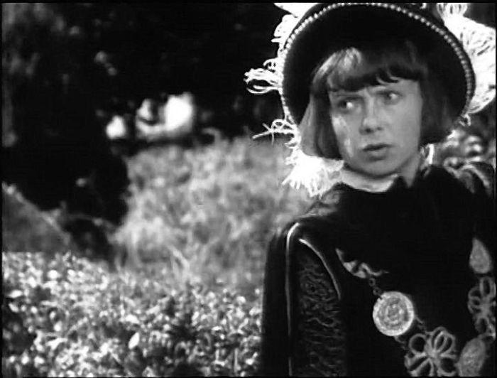 Мария Барабанова в роли принца Эдуарда. / Фото: www.baskino.me