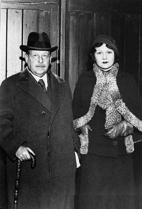 Имре Кальман со своей женой. Лондон, 1933 год. / Фото: www.news.21.by
