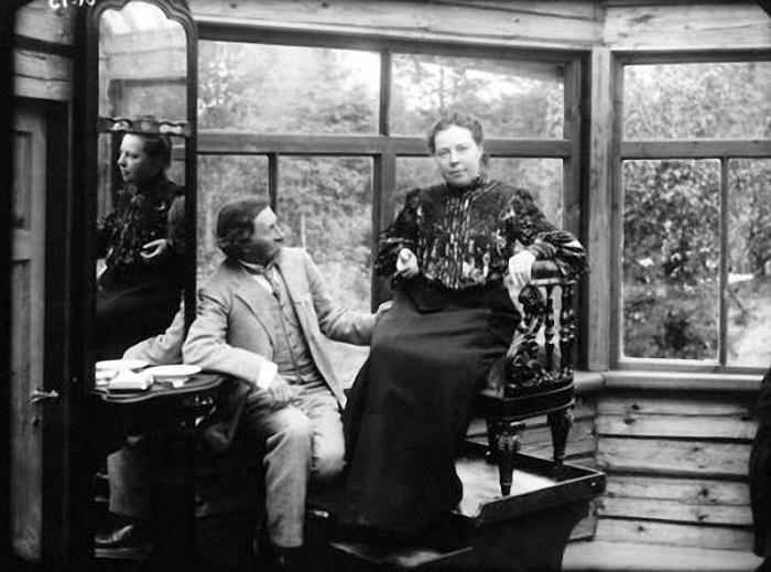 Илья Репин и Наталья Нордман в Пенатах. 1900-е. / Фото: www.livejournal.com