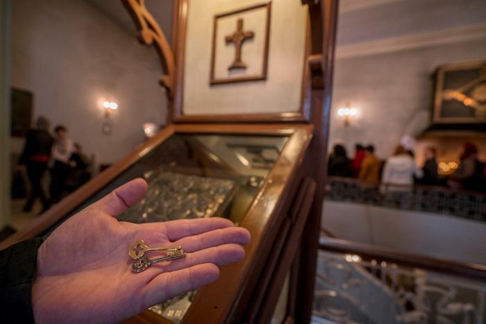 Ключик надо хранить, пока желание не исполнится, а затем нужно обязательно вернуть его в церковь. / Фото: www.wiki.orthodoxographia.com
