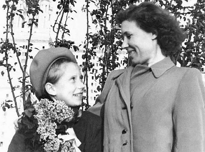 Инна Чурикова с мамой. / Фото: www.goodhouse.ru