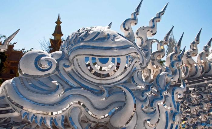 Драконы в Белом храме выглядят весьма добродушными созданиями. / Фото: www.100500foto.com