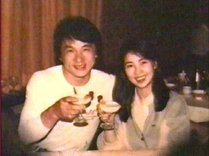Джоан Линь и Джеки Чан. / Фото: www.timetoast.com