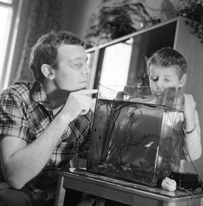 Иннокентий Смоктуновский с сыном. / Фото: www.russian.news.cn