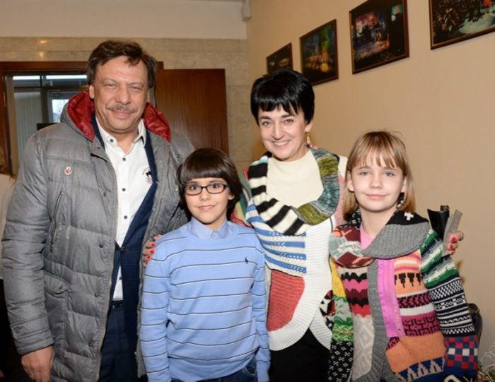 Михаил Барщевский  с женой и детьми. / Фото: www.1rre.ru