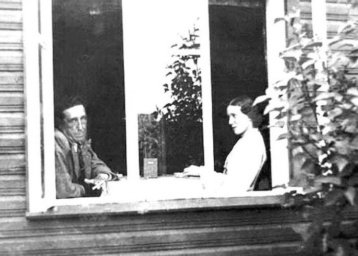 Игорь и Фелисса Лотаревы, Тойла, 1925. / Фото: www.severyanin.lit-info.ru