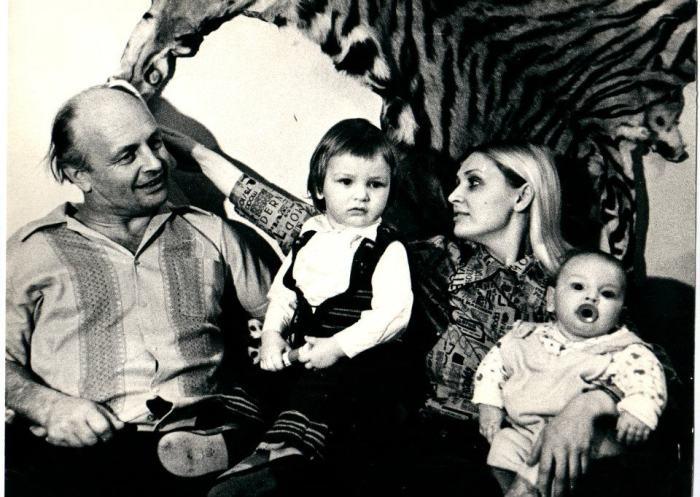 Татьяна и Вальтер Запашные с сыновьями Эдгардом и Аскольдом. / Фото: из архива Т.Запашной