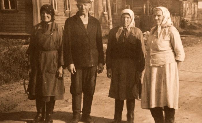 Когда-то эти люди жили в Засосье. / Фото: www.чудноеподворье.рф