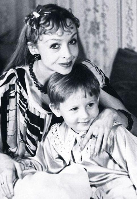Наталья Седых с сыном. / Фото: www.7days.ru