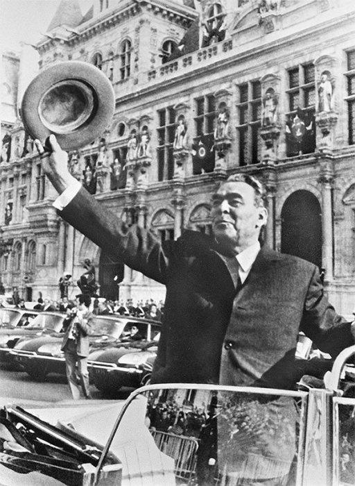 Леонид Брежнев в Париже. / Фото: www.twimg.com