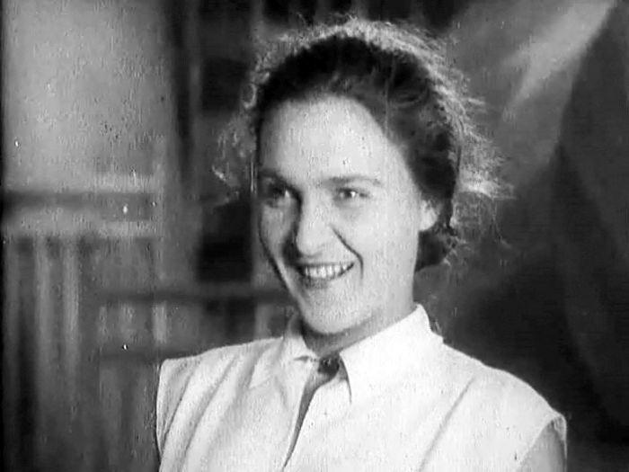 Елена Кузьмина, кадр из фильма «Одна». / Фото: www.kino-teatr.ru