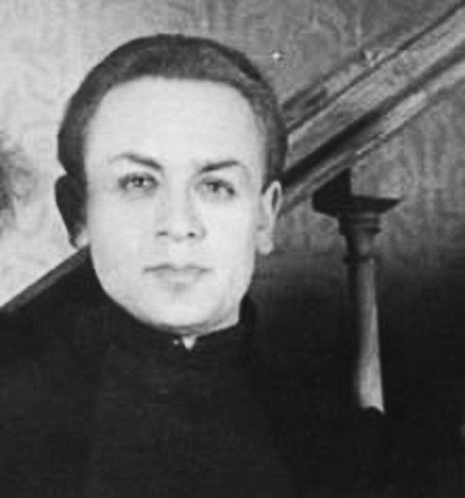 Леонид Броневой в юности. / Фото: www.kino-teatr.ru