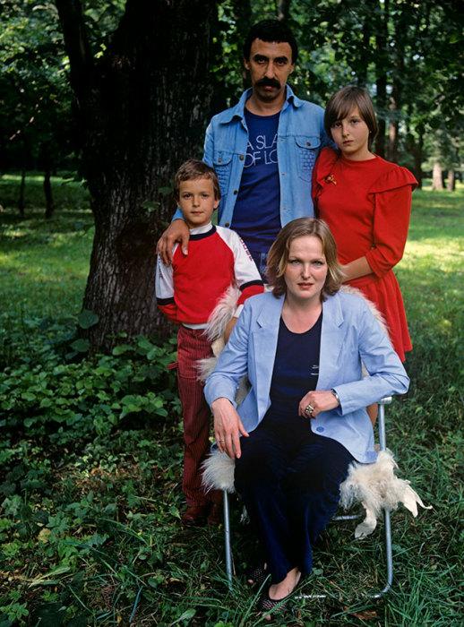 Елена Соловей и Юрий Пугач с детьми, 1987 г. / Фото: www.aif.ru