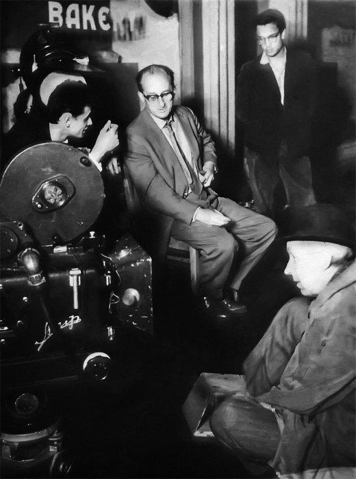 Михаил Ромм, Владимир Наумов, Андрей Кончаловский, Эраст Гарин на съемках фильма «Монета», 1962 год. / Фото: www.iknigi.net