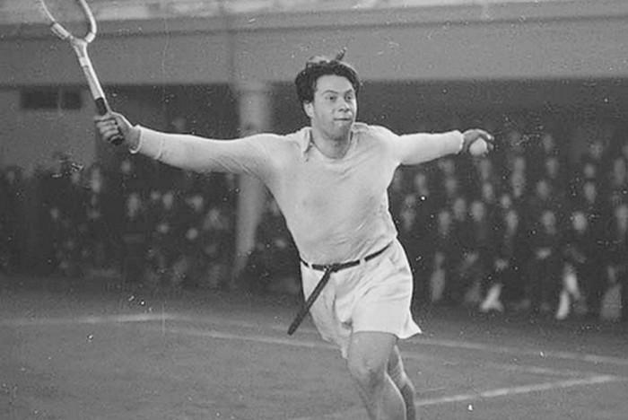 Николай Озеров в юности на корте, 1948 год. / Фото: www.kpcdn.net