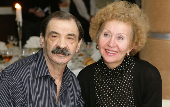 Илья и Ирина Олейниковы. / Фото: www.showbizdaily.ru
