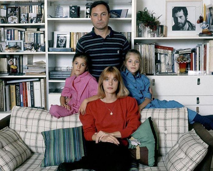 Родион Нахапетов и Вера Глаголева с дочерьми Анной и Марией. / Фото: www.domkino.tv