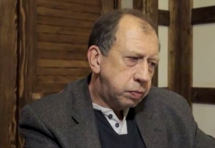 Владимир Успенский, сын Евгении Ханаевой. / Фото: www.showbiz-life.ru