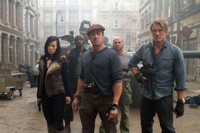Кадр из фильма «Неудержимые 2», 2012 год. / Фото: www.townhall.com