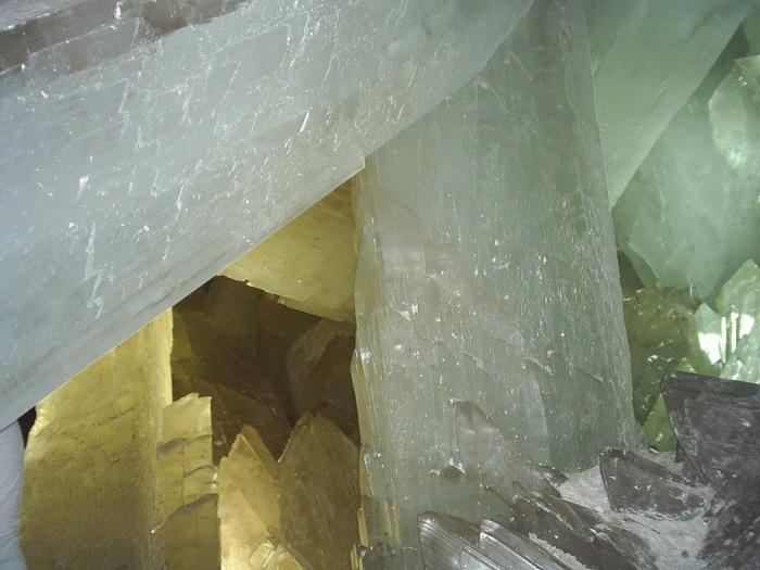 Кристаллы бывают самых причудливых форм. / Фото: www.turkey-info.ru