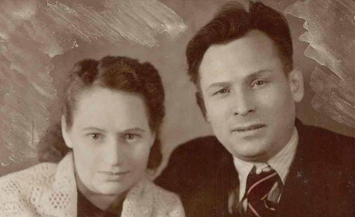 Анна Дмитриевна и Константин Устинович Черненко. Пенза, 1947 г. / Фото: www.fishki.net