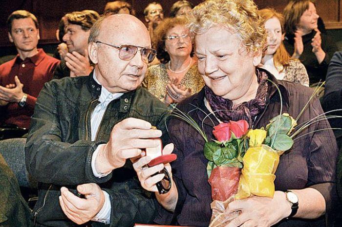 Андрей Мягков и Анастасия Вознесенская. / Фото:  www.kp.ru