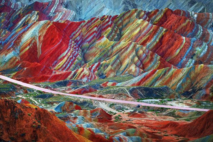 Национальный парк Данься, Чжанъе, Китай. / Фото: www.imgur.com