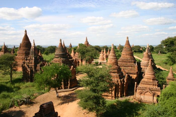На территории Багана сегодня насчитывается 2229 храмов и пагод. / Фото: www.mekongresponsibletourism.org