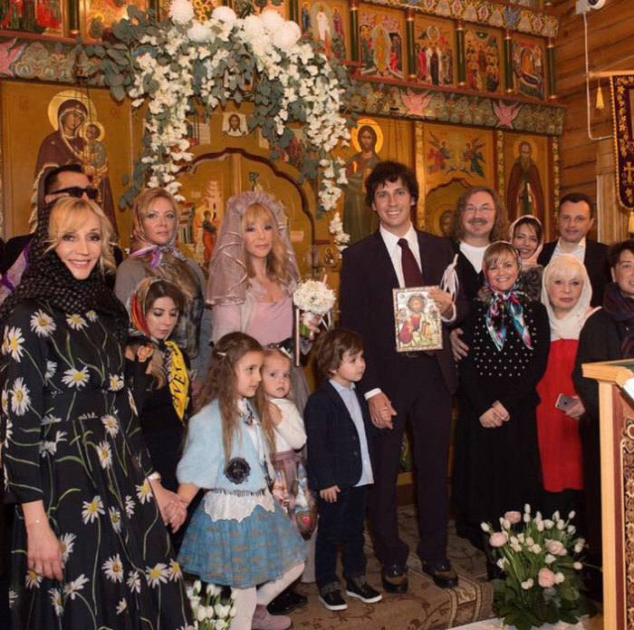Алла Пугачева и Максим Галкин венчались в ноябре 2017 года. / Фото: www.instagram.com/orbakaite_k