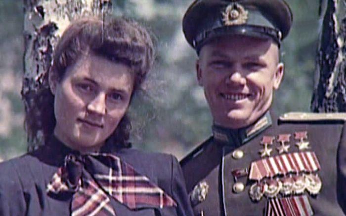 Иван Никитович Кожедуб с женой Вероникой Николаевной после Великой Отечественной войны. / Фото: www.krasvozduh.ru