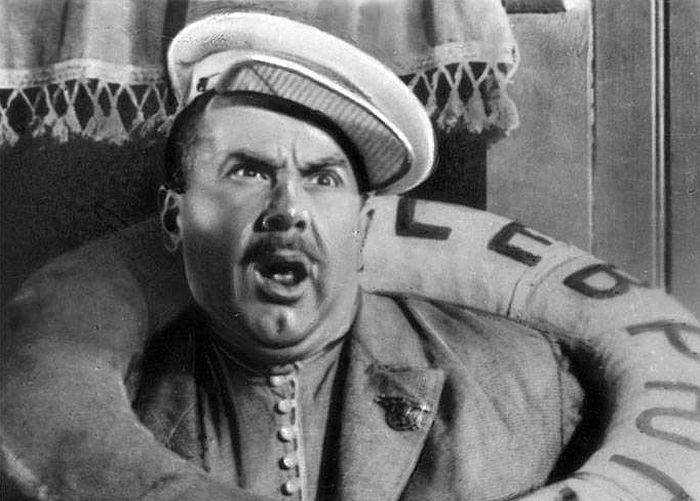 Игорь Ильинский в роли Бывалова в фильме «Волга, Волга», 1938 г. / Фото: www.qstv.ru