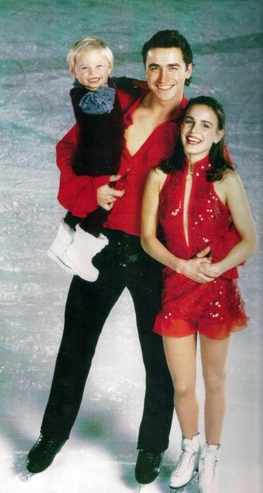Екатерина Гордеева и Сергей Гриньков с дочерью. / Фото: www.pinimg.com